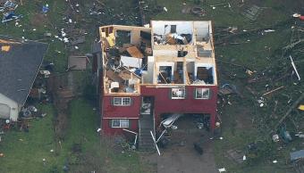 Tornado golpea a Seattle, EU; derriba casas y árboles