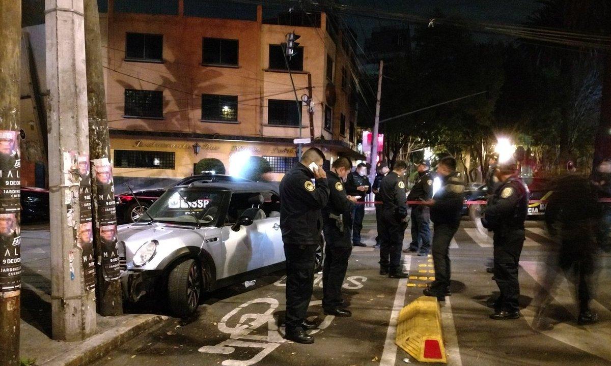 Persecución y balacera deja dos detenidos en la Condesa