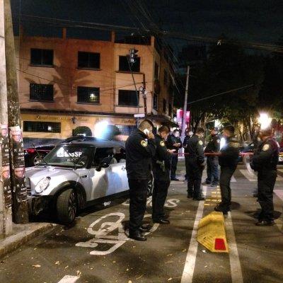 Persecución y balacera terminan con 2 asaltantes detenidos en la Condesa