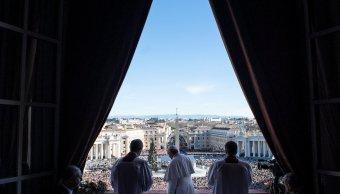 dimiten portavoces del papa, greg burke y paloma garcia ovejero