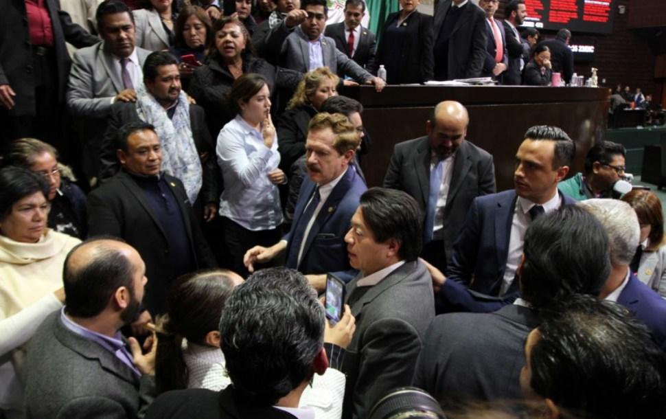 Los diputados reanudan sesión para discutir el Presupuesto de Egresos