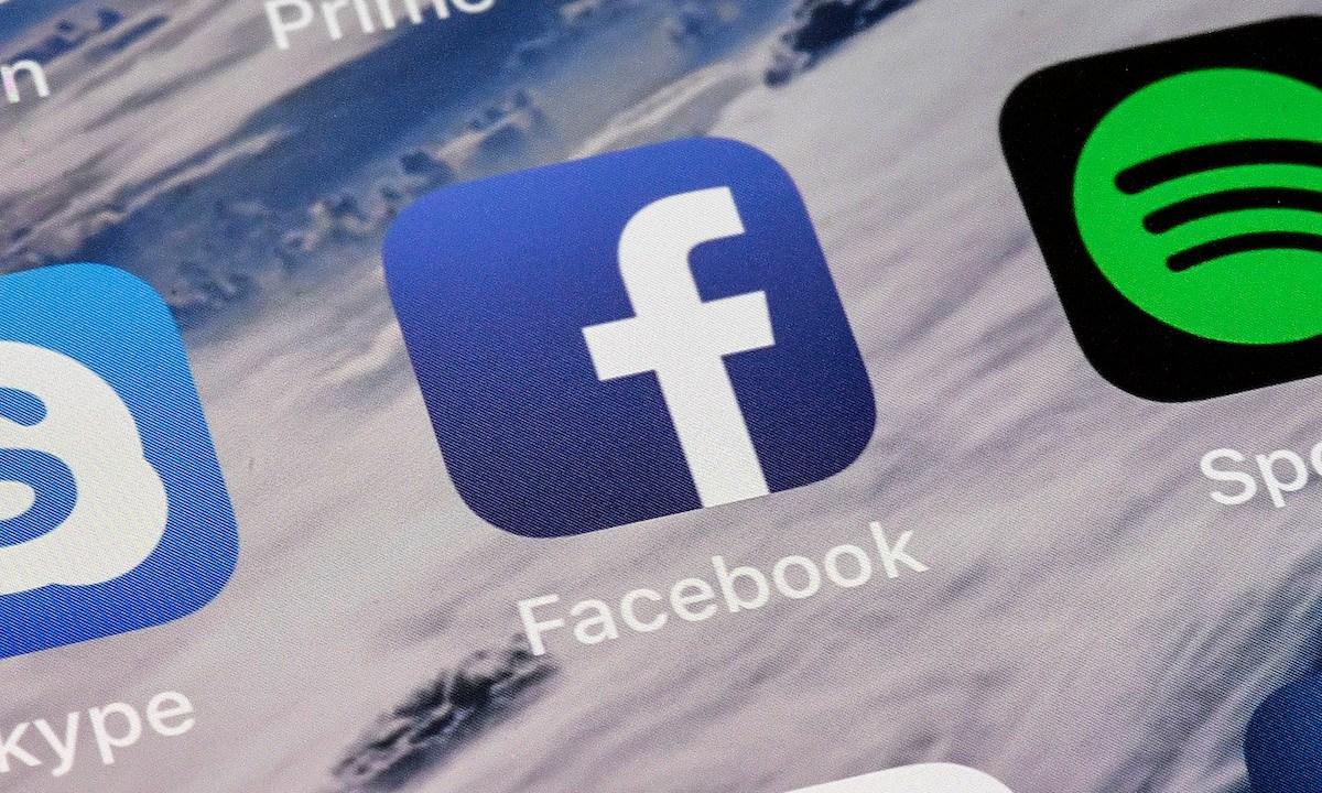 Facebook Error Fotos 6.8 Millones Usuarios