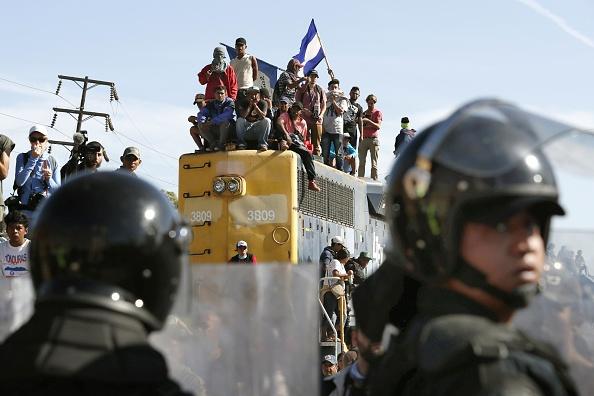 Rechazan restricción de Trump a migrantes que pidan asilo