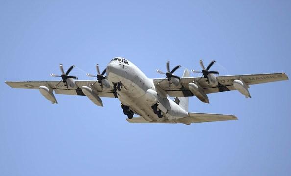 Seis desaparecidos tras choque de aeronaves militar en Japón
