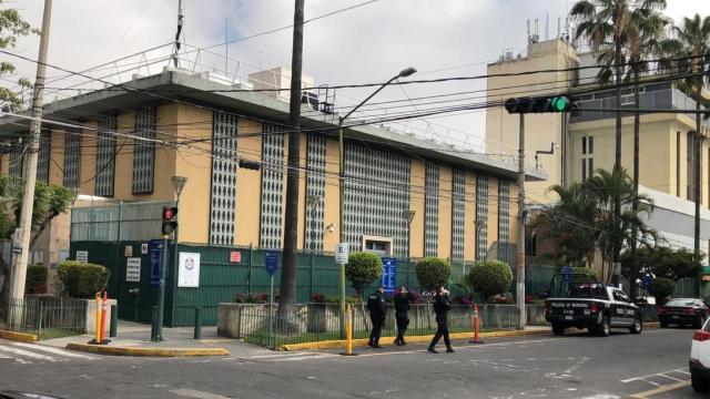 Atacan consulado de EEUU en Guadalajara con explosivos