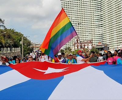 Cuba elimina artículo en nueva Constitución que avalaba matrimonio homosexual