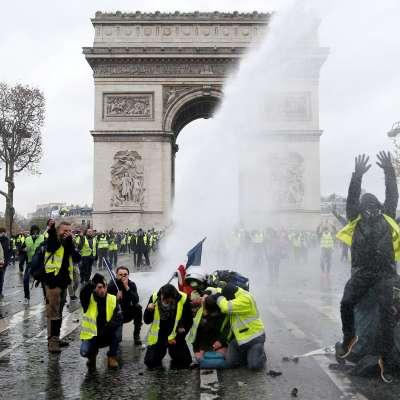Protestas por alza en combustibles exhiben fractura social en Francia
