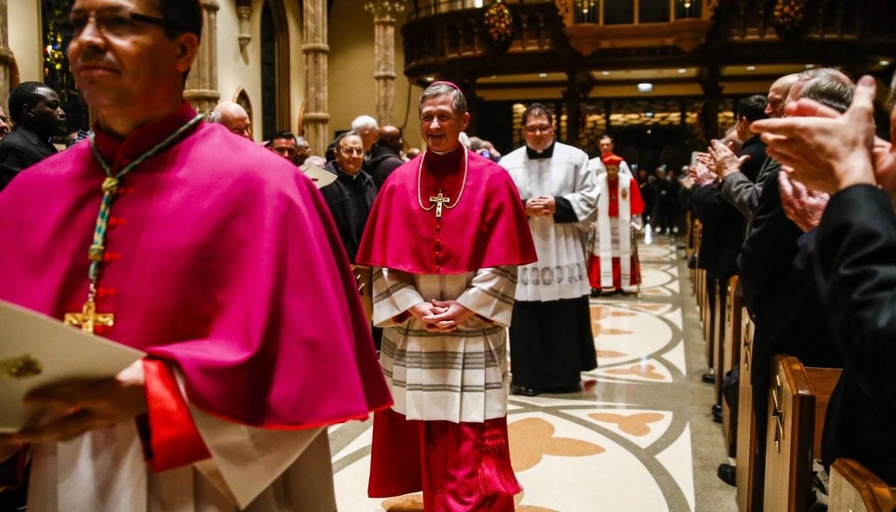 Descubren 500 sacerdotes acusados de abuso sexual en Chicago