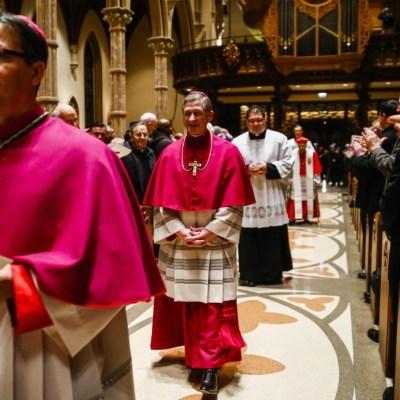 Descubren 500 casos más de sacerdotes pederastas en Chicago