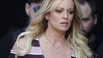 Juez ordena a actriz porno pagar 300 mil dólares a Trump