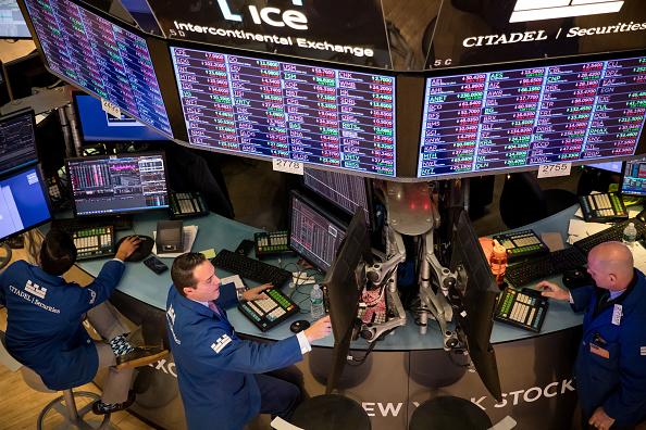 Wall Street cierra en verde y el Dow Jones sube 0.13%