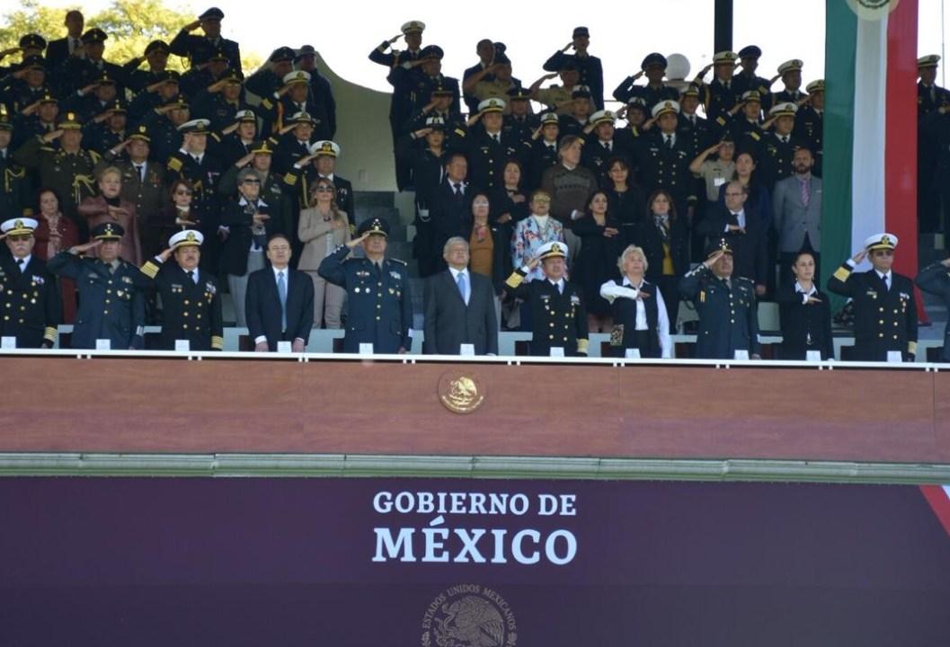 AMLO confía en lograr la paz en México con Fuerzas Armadas
