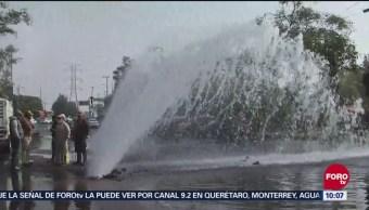 Fuga De Agua Parece Fuente Avenida Del Imán Cdmx