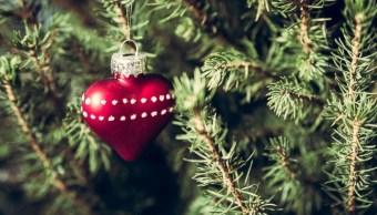 Nochebuena aumenta 40% el riesgo de infarto y en plena cena