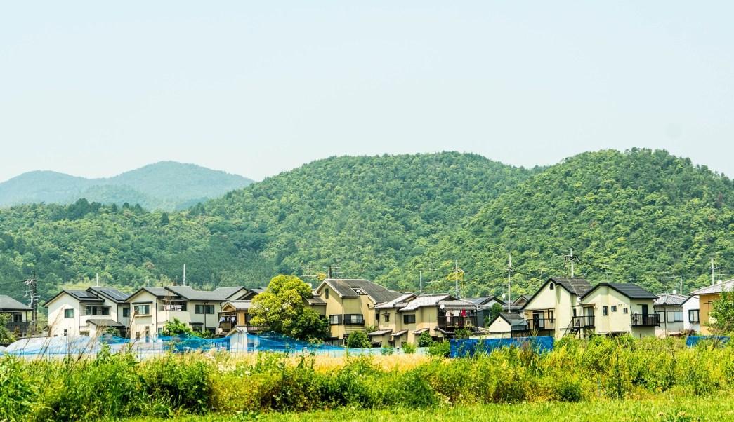 Japón tiene tantas casas vacías que las está regalando