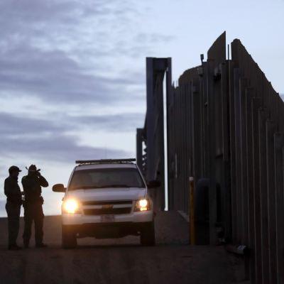 La Casa Blanca identifica otras formas para financiar muro fronterizo