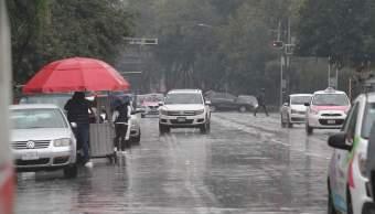 Lluvia fuerte en la Ciudad de México; hay encharcamientos