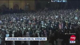 #LoQueVimosEnLaRed: Jóvenes bailan en el Kremlin
