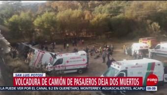 Volcadura de camión deja al menos dos muertos en San Luis Potosí
