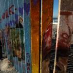 Extienden muro fronterizo en límites de playas de Tijuana