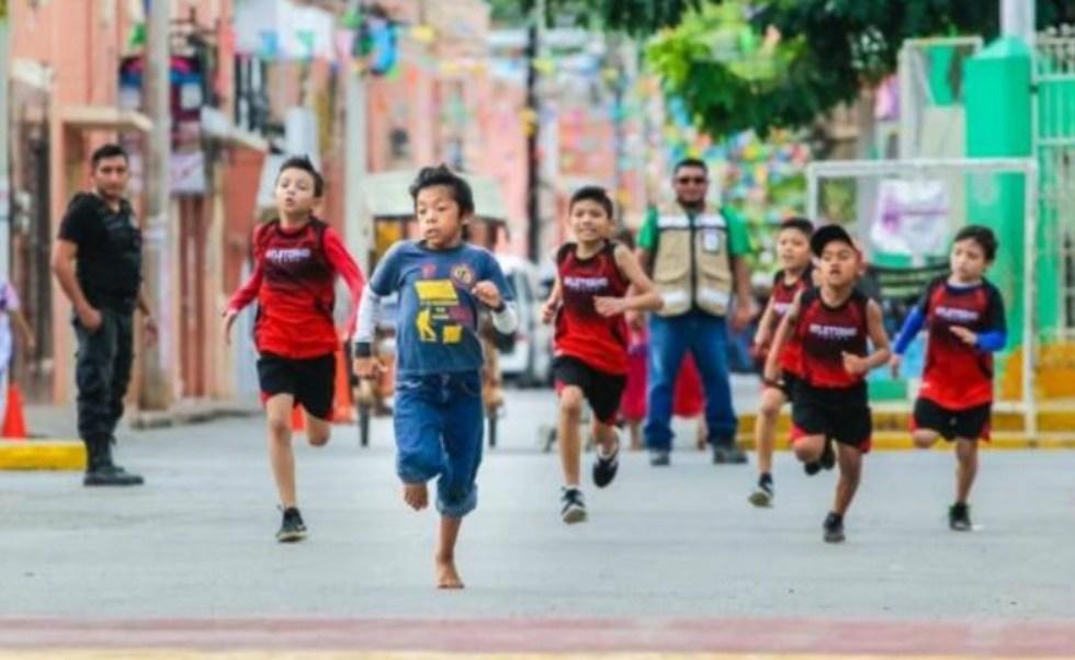 Niño yucateco de 11 años compite descalzo y le da la vuelta al mundo