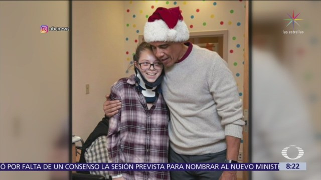 Obama reparte regalos en Hospital Nacional de Niños de Washington