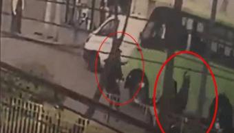 Sale del hospital policía arrollado por delincuentes en moto