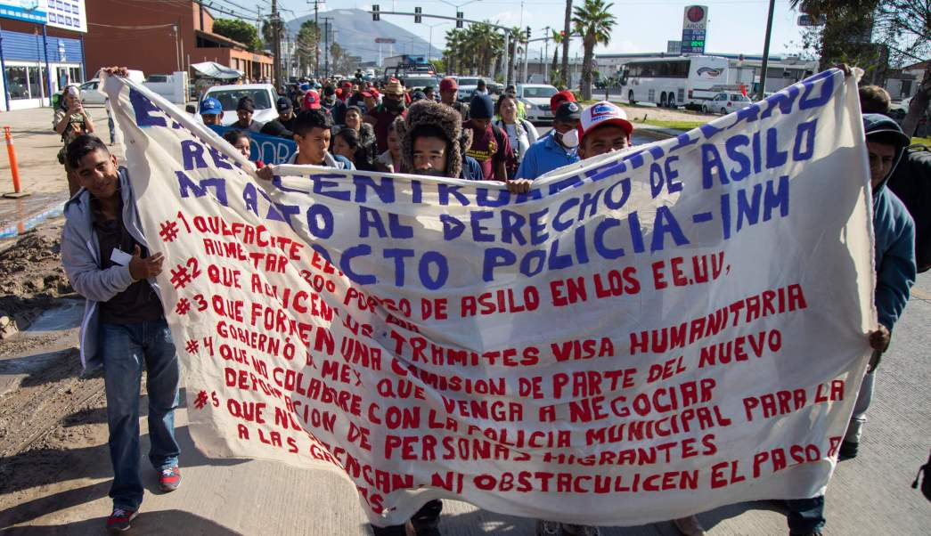 Caravana Migrante; marchan Tijuana hacia Consulado de EU