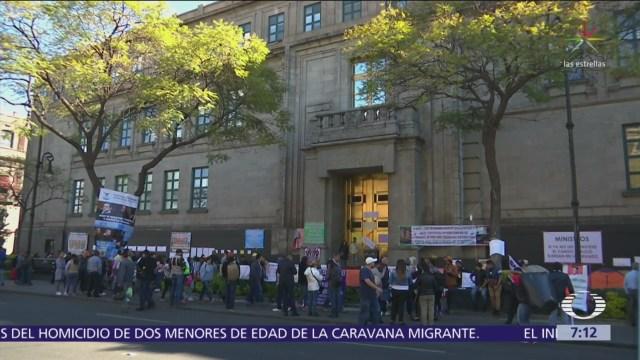 Protestan frente SCJN para que ministros reduzcan sus salarios