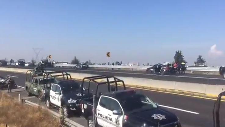 Fuerzas federales se enfrentan con huachicoleros en Toluca