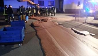 Río de chocolate en Alemania provoca movilización