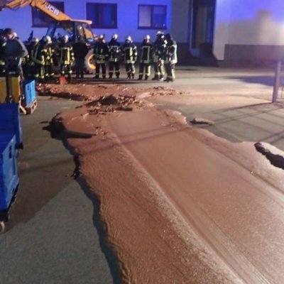 Río de chocolate en Alemania provoca movilización de socorristas