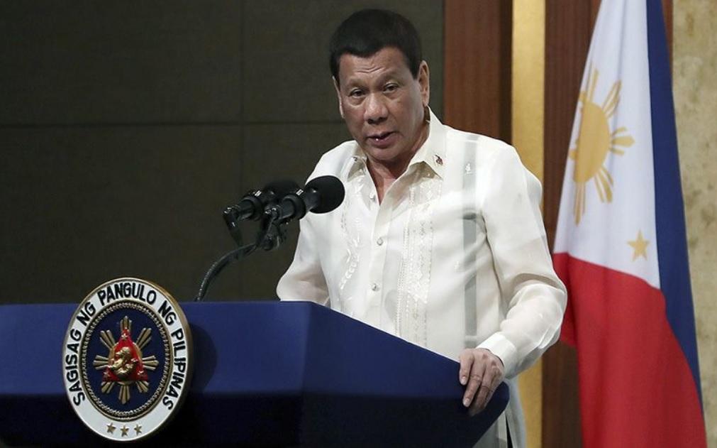 Duterte anima a matar obispos católicos de Filipinas 'porque son unos inútiles'
