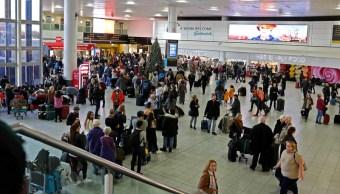 avistamiento de drones provoca caos aeropuerto de gatwick reino unido