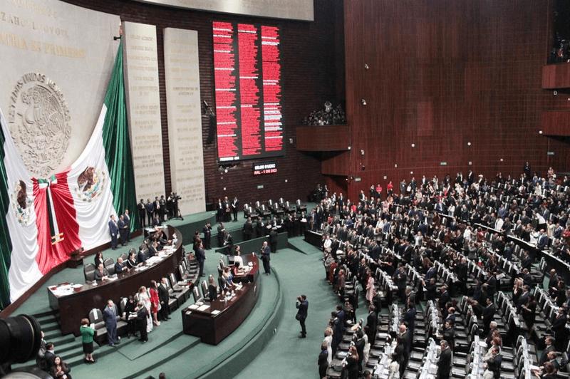 Diputados, minuto de silencio por muerte de suegra de AMLO