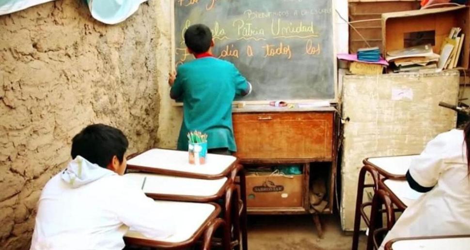 tiene-12-anos-ensena-su-escuela-leonardo-nicanor-quintero