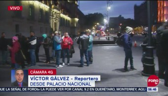 Trabajadores se manifiestan en Palacio Nacional tras despidos de SAT