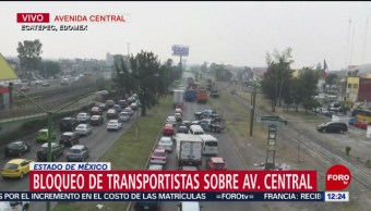 Transportistas bloquean avenida Central por cobros exagerados en corralones