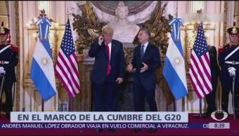 Trump tira al suelo aparato de interpretación simultánea de la Casa Rosada