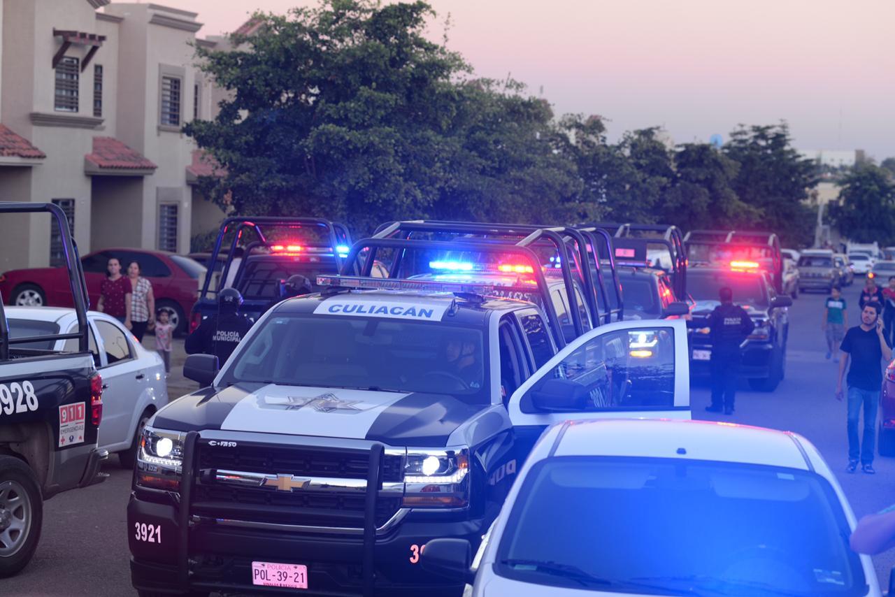 Unidades de la Policía Municipal acudieron al sector donde cayó la avioneta (El Debate)