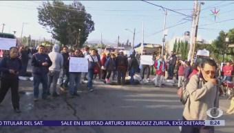 Vecinos de Tláhuac realizan bloqueo por falta de agua