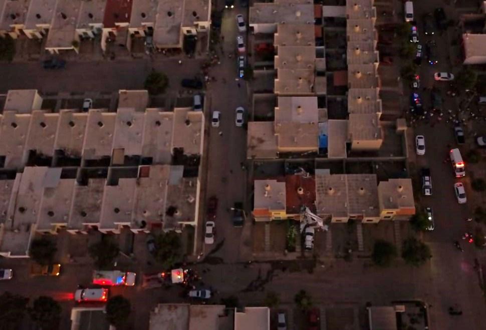 Vista aérea del fraccionamiento Rinconada Virreyes, donde se aprecian los restos de la avioneta (El Debate)