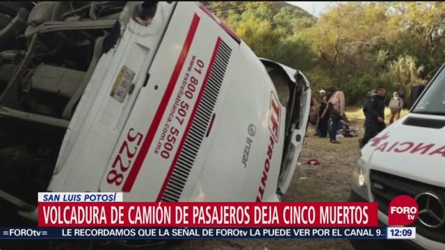 Volcadura de camión en San Luis Potosí deja 5 muertos