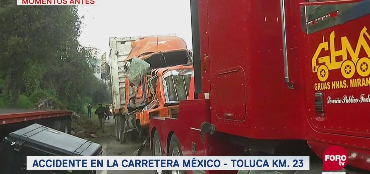 Vuelca tráiler en la carretera México-Toluca