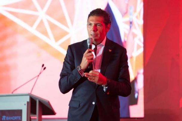 Una banca fuerte en cada región de México: Carlos Hank González