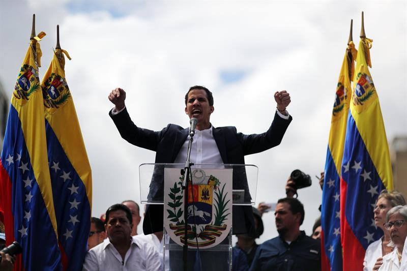 foto juan guaido presidente interino venezuela 23 enero 2019