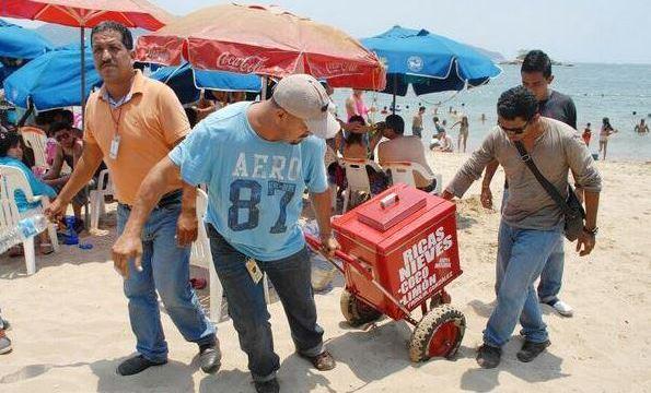realizan operativo para recuperar via publica del ambulantaje en acapulco