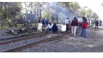Detenidos 129 trenes por bloqueo de la CNTE en Michoacán