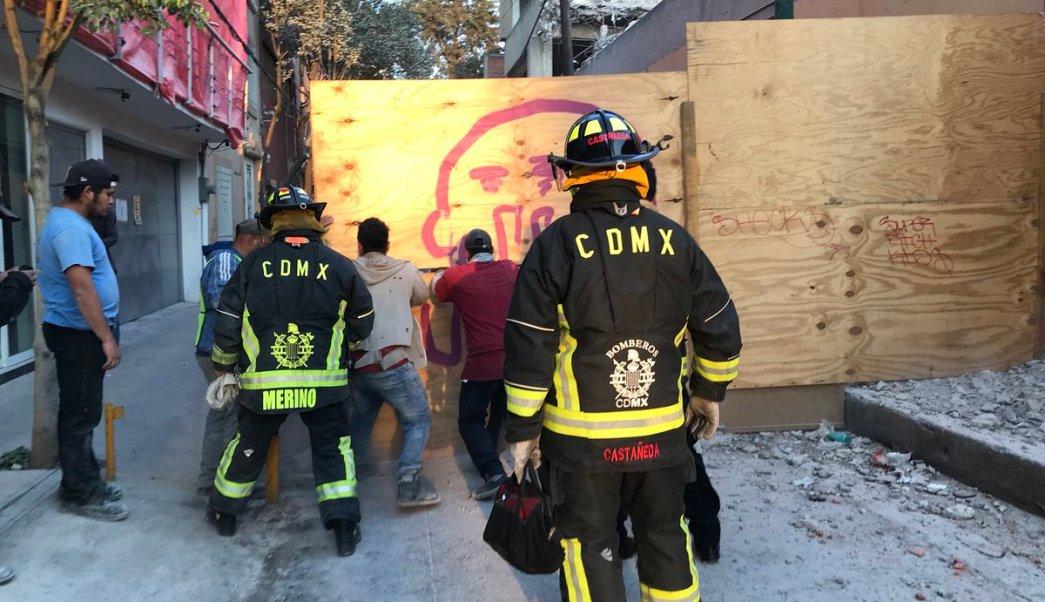 Bomberos CDMX denuncian ataques y homofobia del sindicato