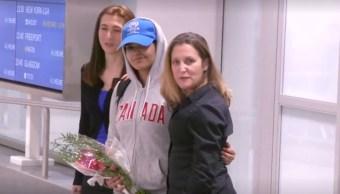 Mujer saudita que huyó por abuso sexual llega a Canadá